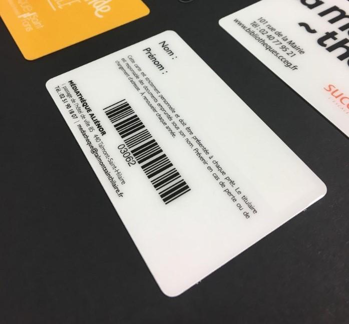 Cartes De Visite Plastiques Code Barres Integres