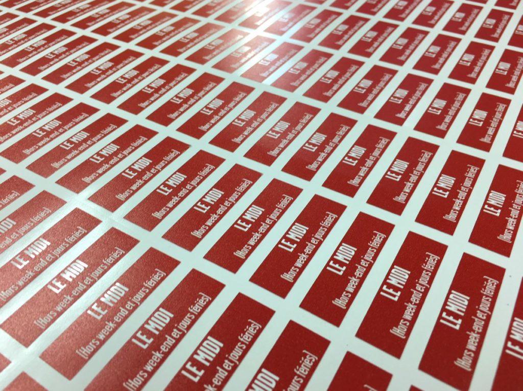 Stickers adhésifs sur mesure