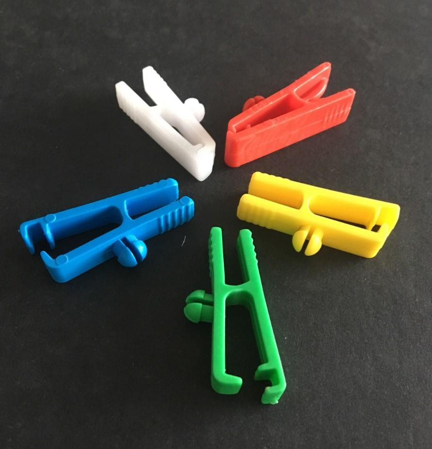 Pince clip plastique